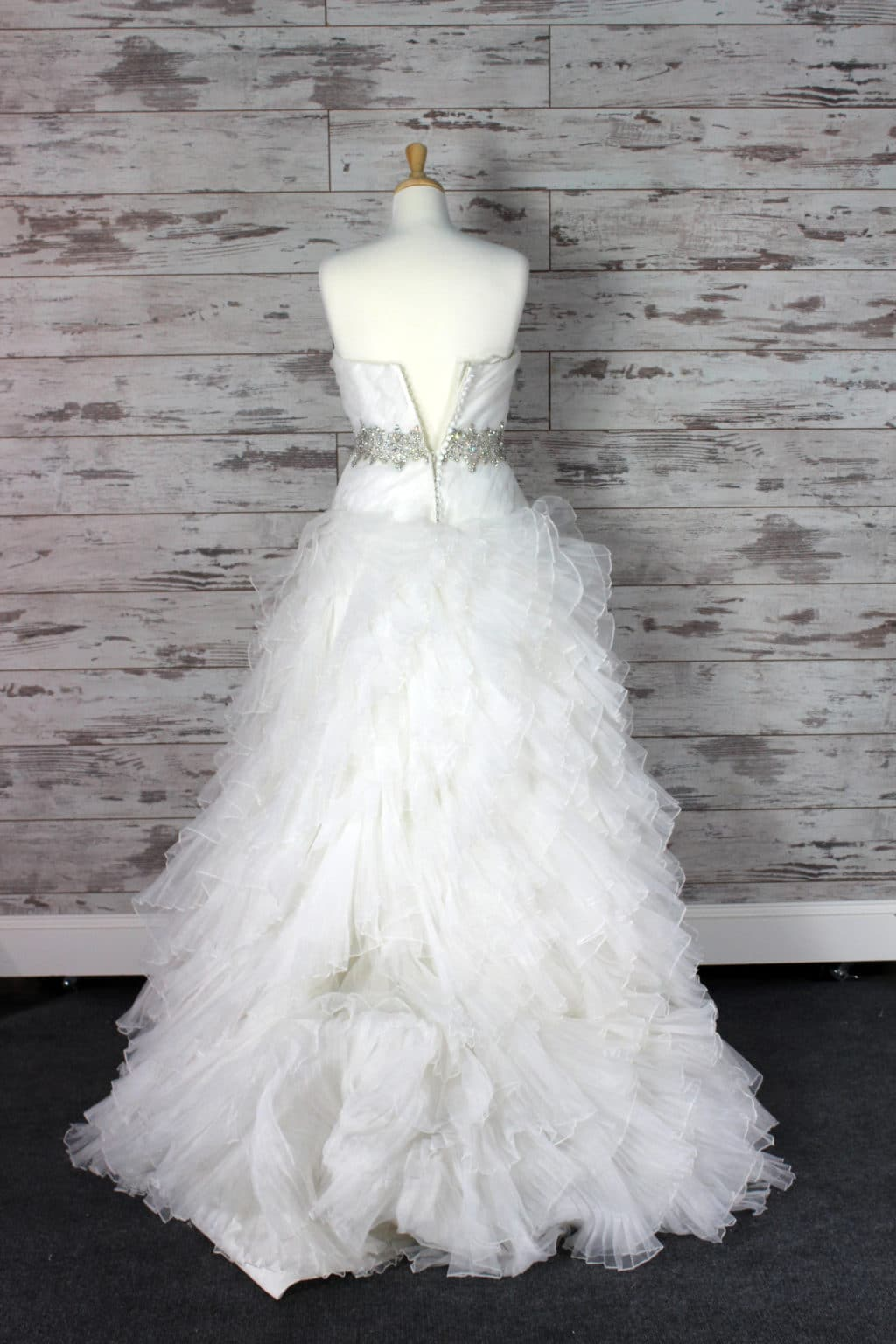 Allure Bridals Sweetheart (Strapless) Wedding Dress Size