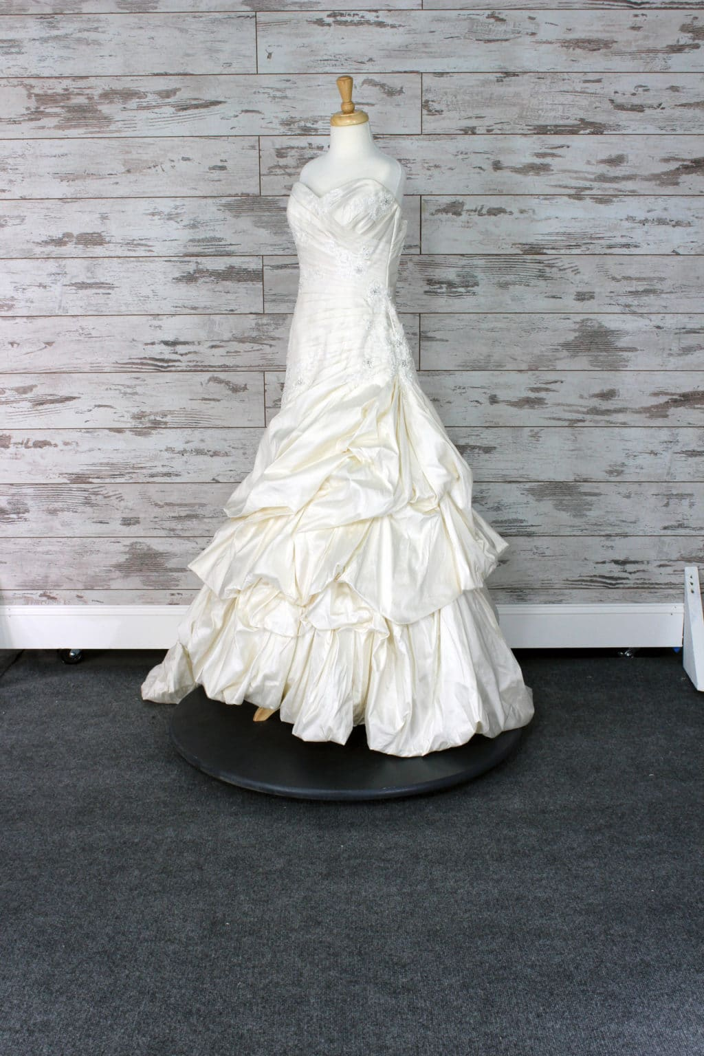 Angelina Bridal Couture Sweetheart (Strapless) Wedding Dress Size 12