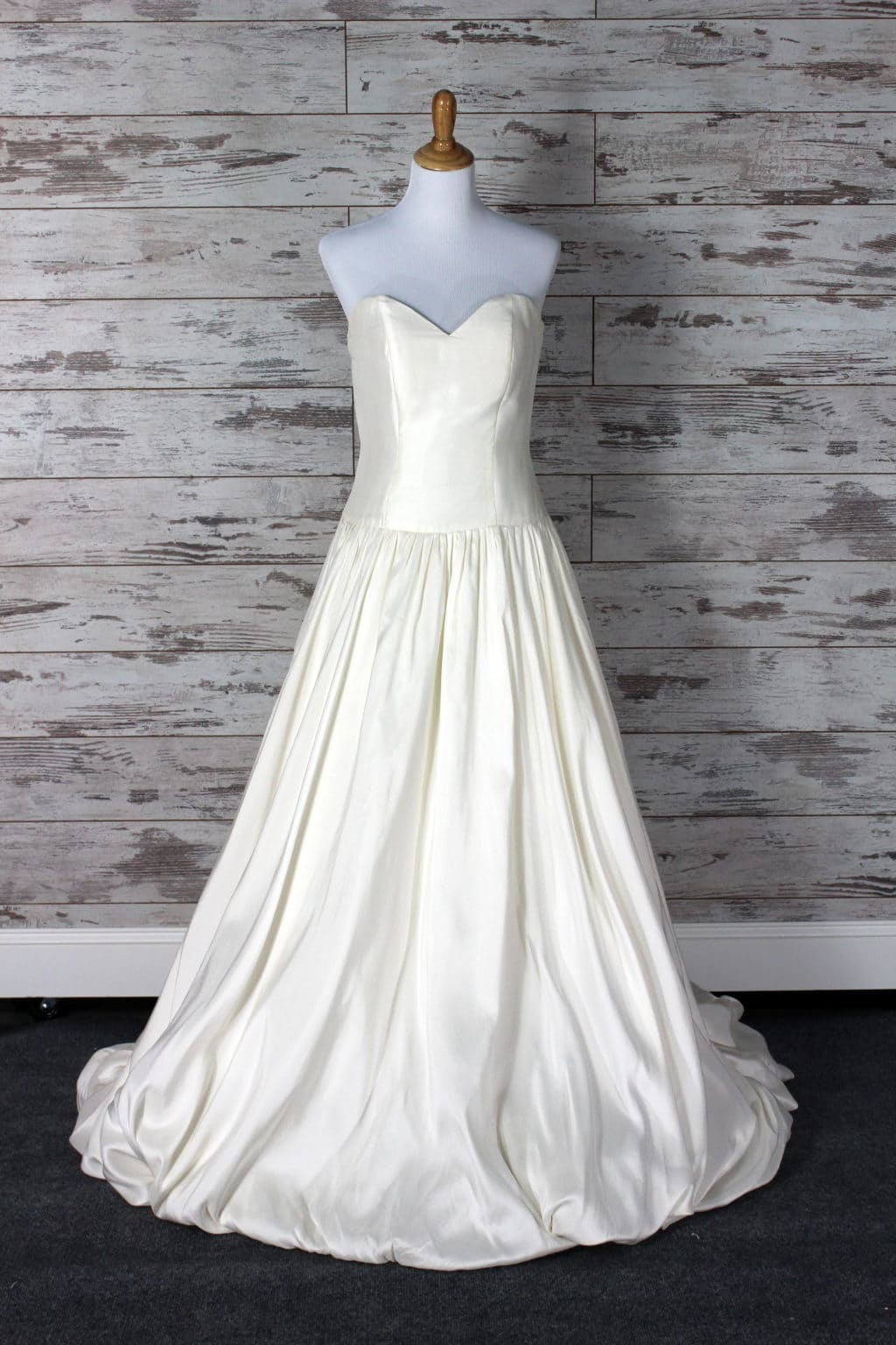 Private label ball gown wedding dress cream size 6 for Private label wedding dresses