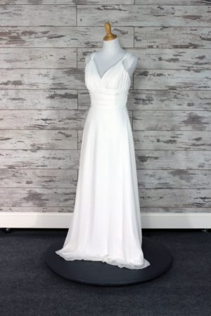 Pronovias-Sheath-10-3