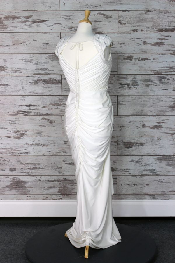 Allure Bridals-Sheath-22W-4