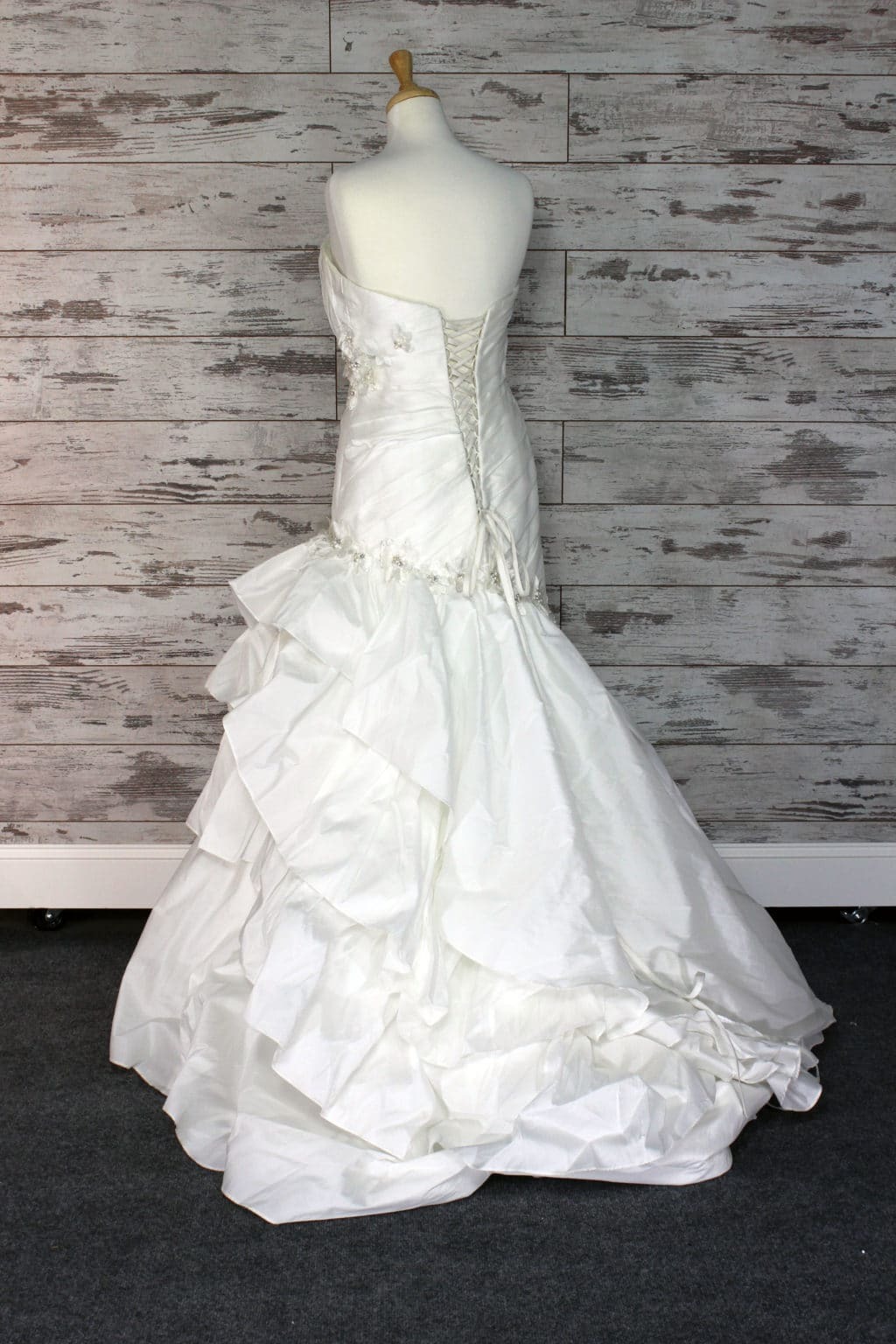 Alfred angelo sweetheart strapless wedding dress size for Alfredo angelo wedding dresses
