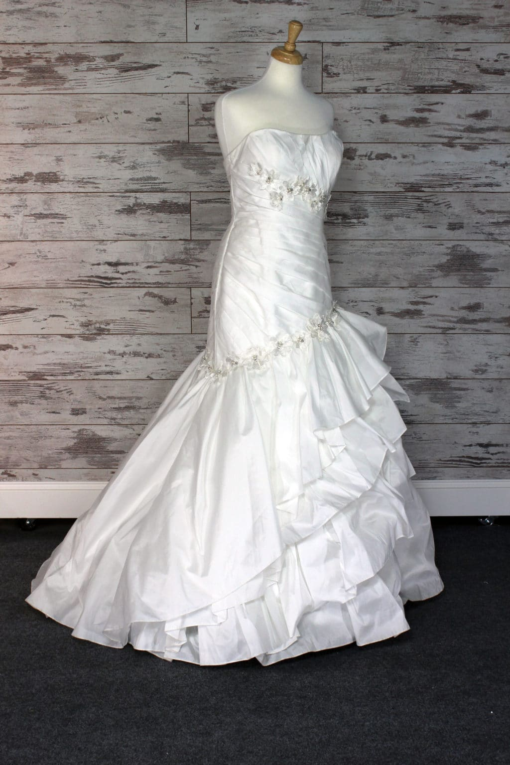 Alfred Angelo Sweetheart (Strapless) Wedding Dress Size