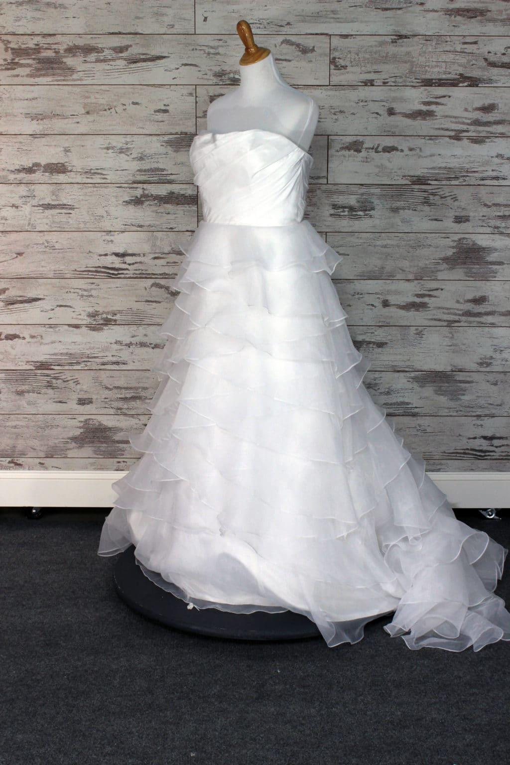alfred angelo a line wedding dress white size 16. Black Bedroom Furniture Sets. Home Design Ideas
