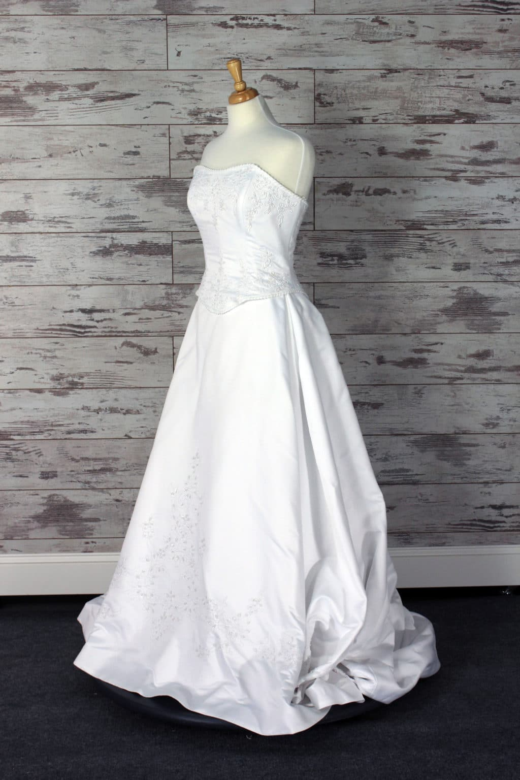 Justin Alexander V-neck Wedding Dress Size