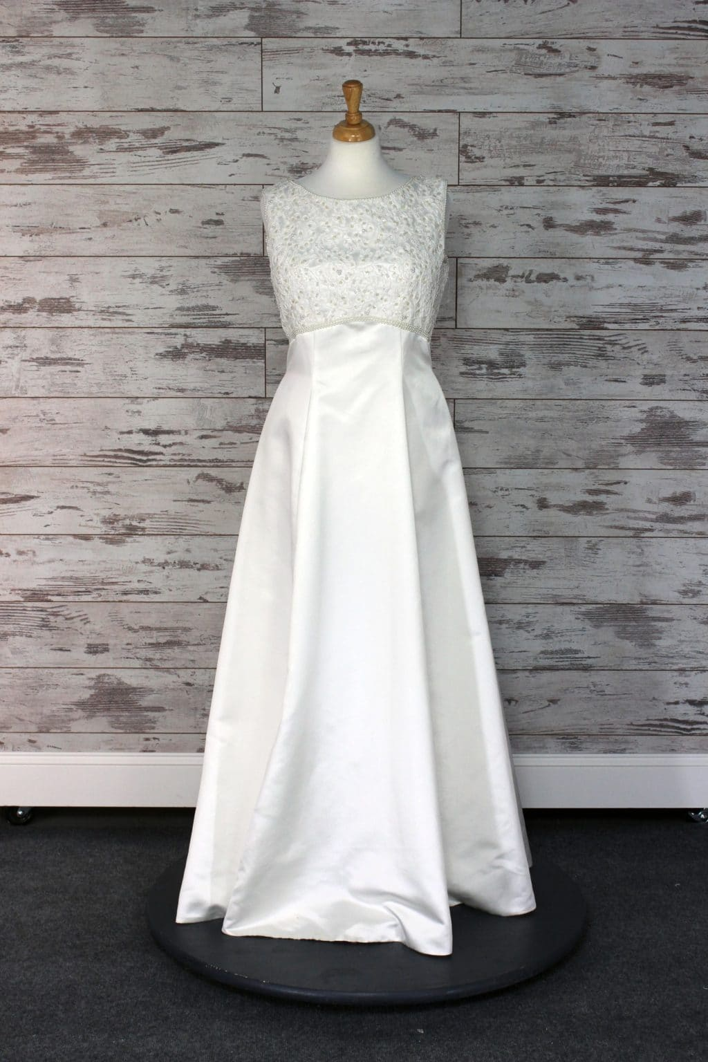 Private label a line wedding dress ivory size 14 for Private label wedding dresses