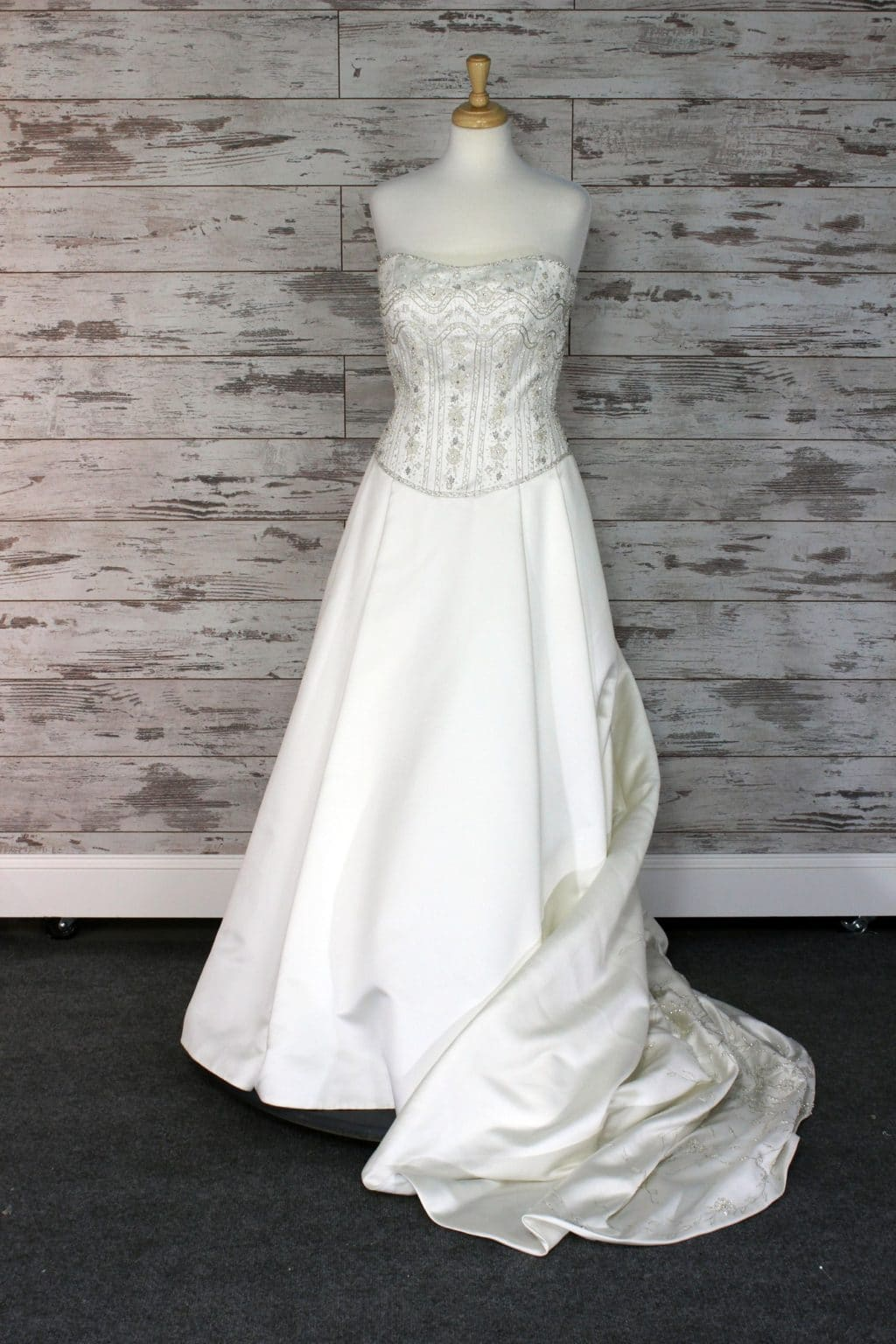 Casablanca Strapless Wedding Dress Size