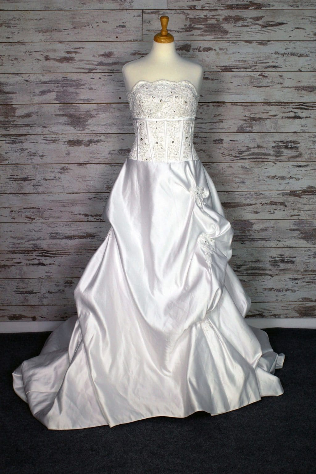 Private label v neck wedding dress size 10 for Private label wedding dresses