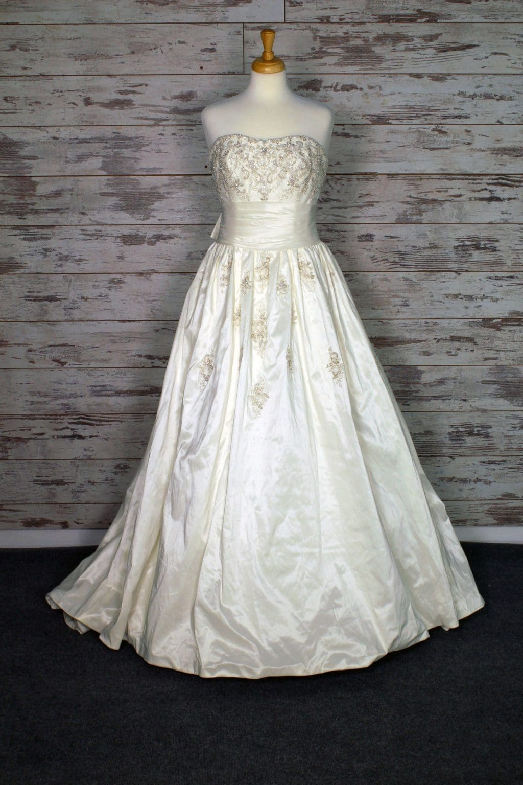 Jasmine Sweetheart Wedding Dress Size 12