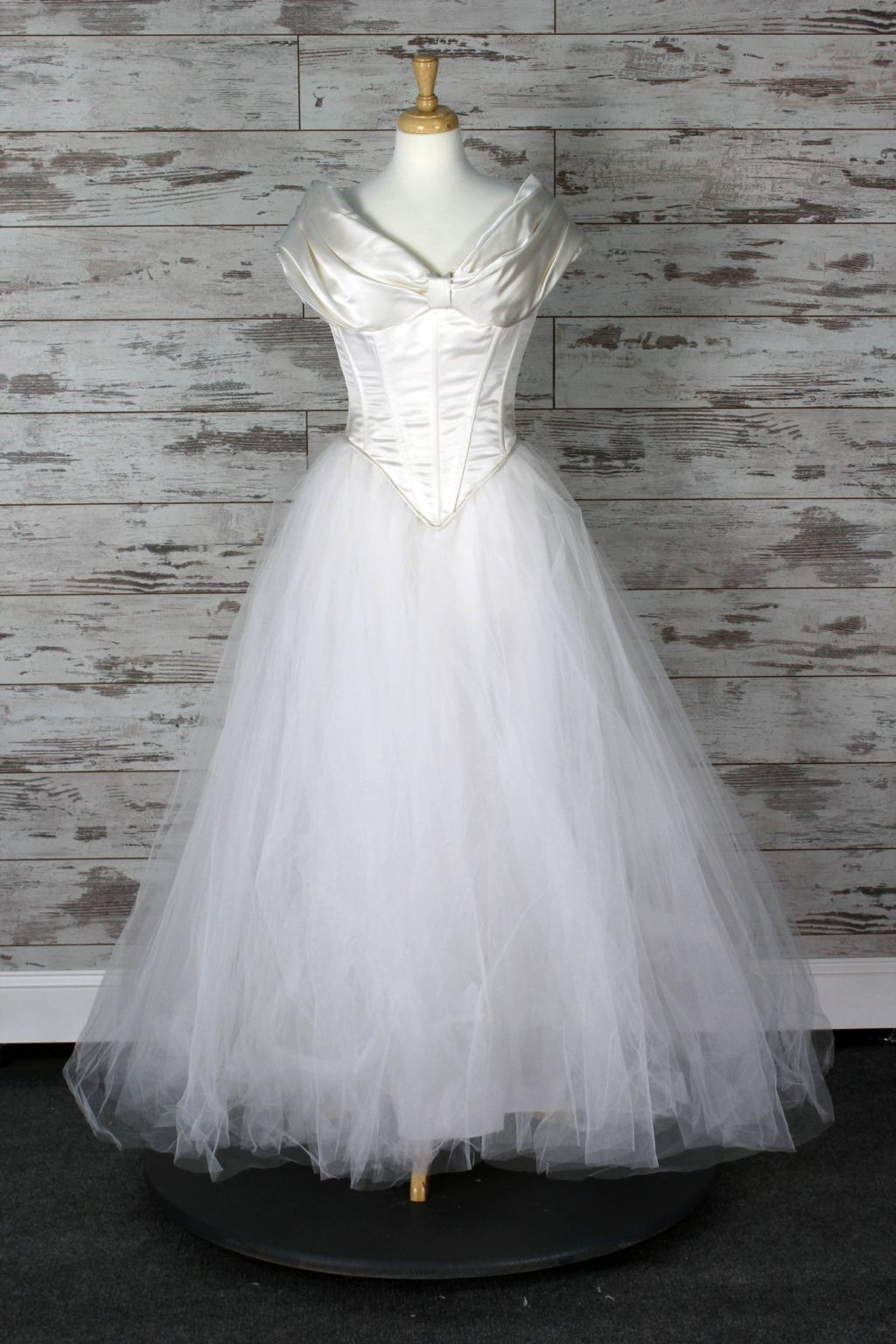 Private label ball gown wedding dress ivory size 6 for Private label wedding dresses