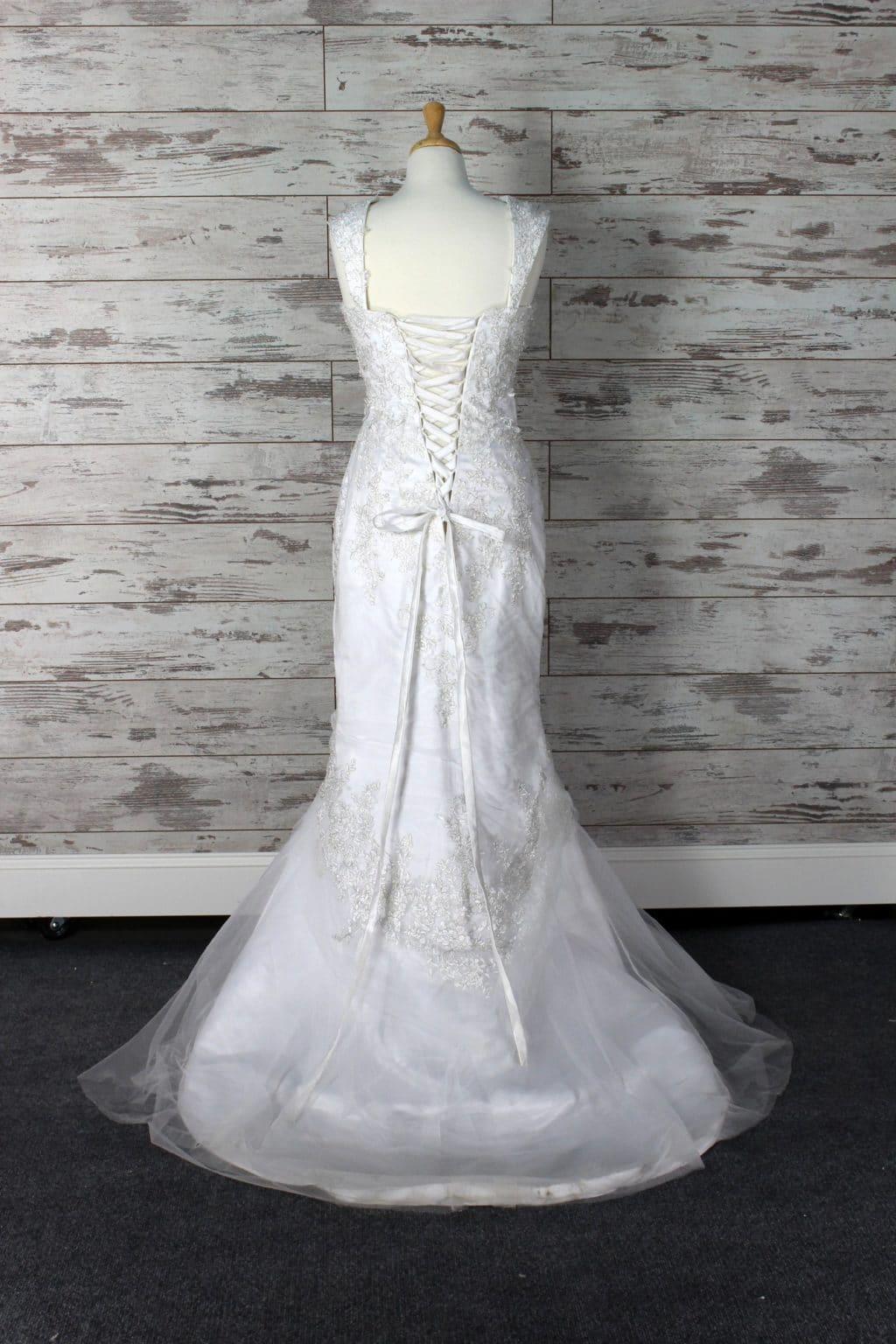 Private label mermaid wedding dress white size 8 for Private label wedding dresses