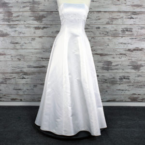Gloria Vanderbilt A-line Wedding Dress (White)