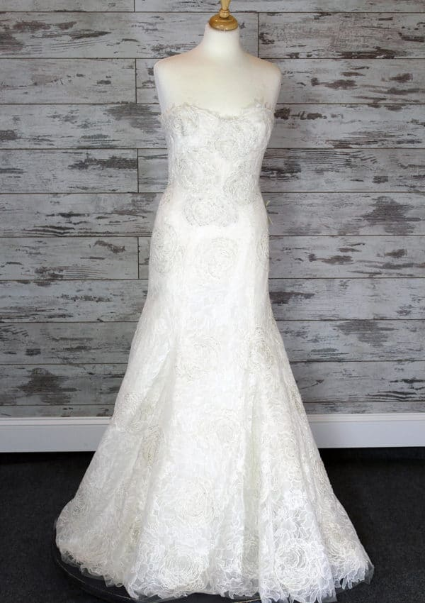 Monique Lhuillier Trumpet Wedding Dress Ivory